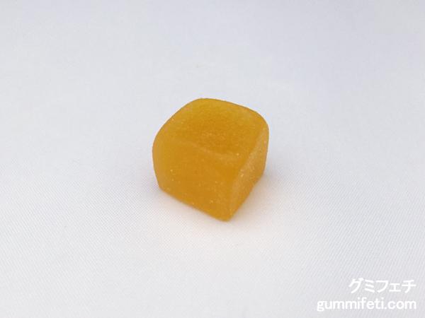 かじって果実グミマンゴー_002
